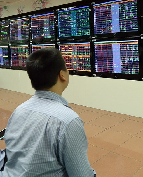 VN Index rises for third day hinh anh 1