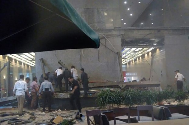 Indonesia: Stock Exchange floor collapses, dozens wounded hinh anh 1