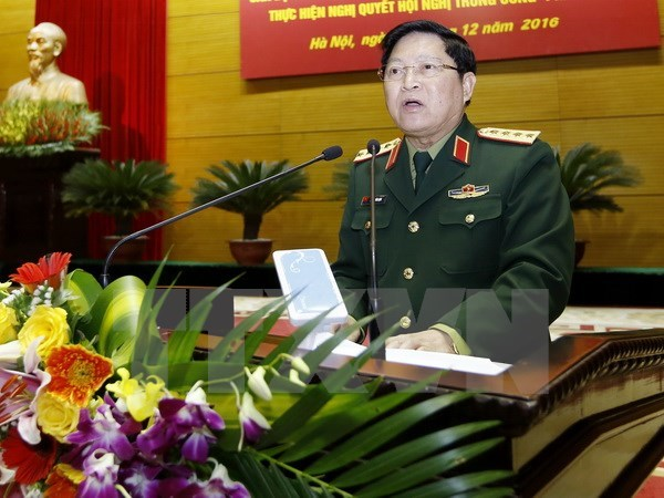 Vietnam high-level military delegation visits Laos hinh anh 1