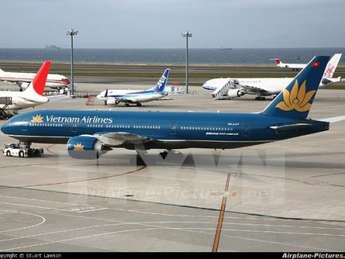 Vietnam Airlines debuts premium economy seats for Japanese routes hinh anh 1