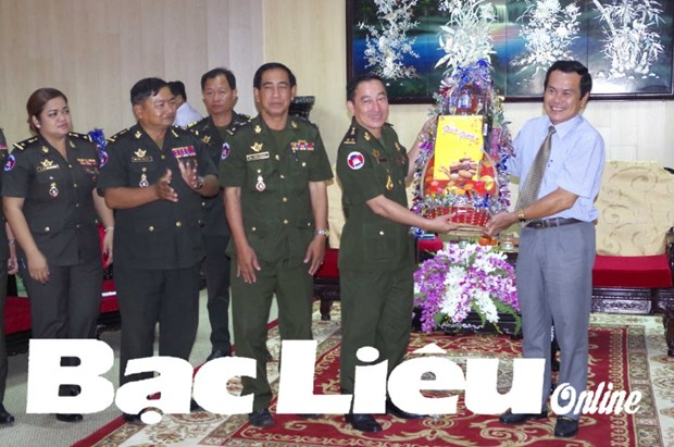 Cambodian delegation extends New Year greetings to Bac Lieu hinh anh 1