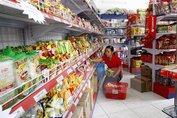 Foreign-invested convenience stores seek to find firm niche in Vietnam hinh anh 1