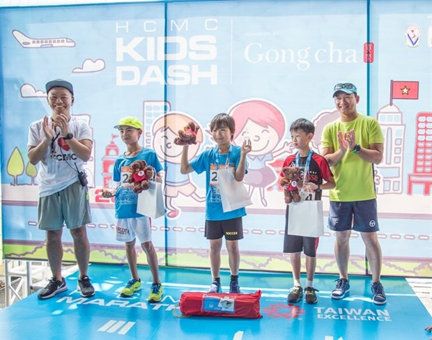 Kids' Dash marathon attracts 220 participants hinh anh 1
