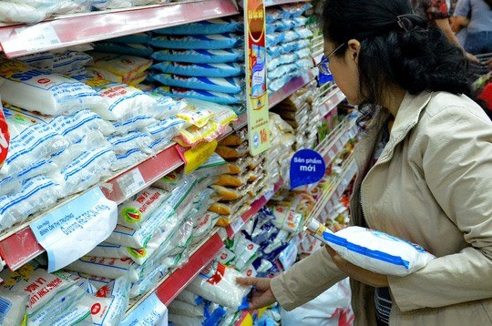 Tax on imported sugar to remain at 5 percent hinh anh 1
