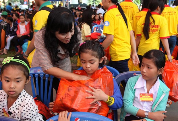 Programme to bring Tet to disadvantaged children hinh anh 1