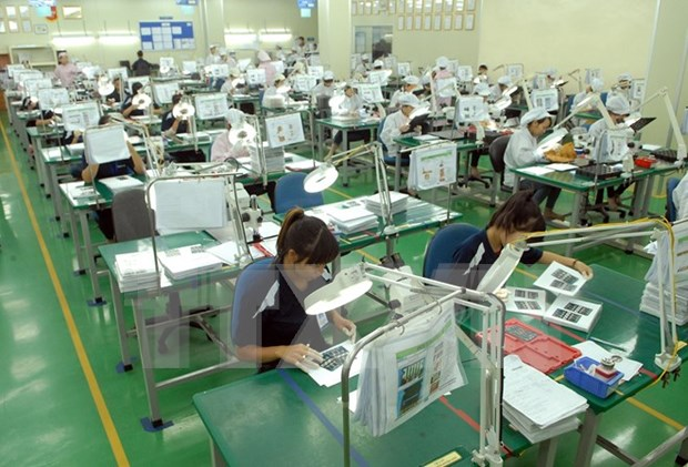 Standard Chartered forecasts 6.8 percent GDP growth for Vietnam hinh anh 1