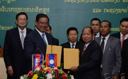 Laos, Cambodia discuss security matters hinh anh 1