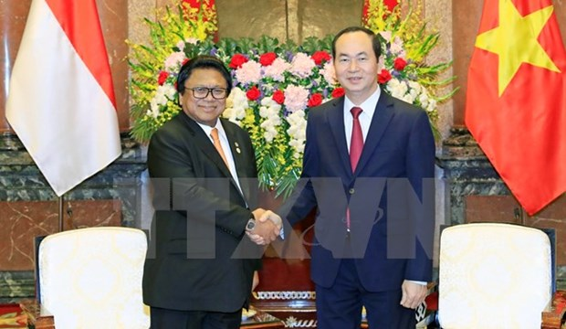 Party, State leaders receive Indonesian upper house speaker hinh anh 2