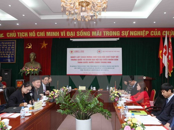 Vietnam, China Red Cross Societies intensify cooperation hinh anh 1