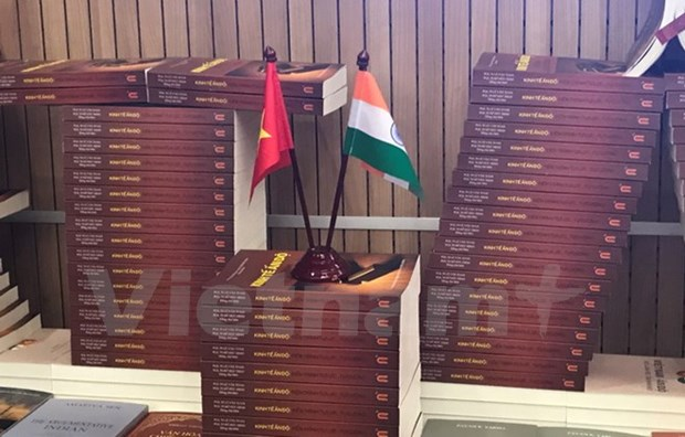 Books featuring Vietnam-India ties debut hinh anh 1