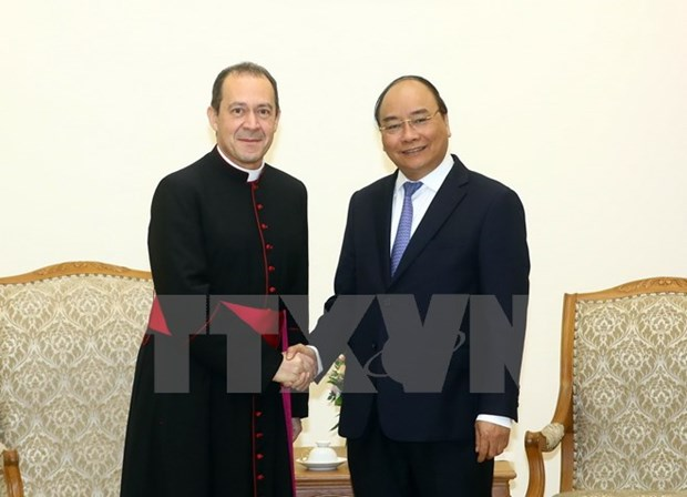 Holy See always wants stronger relations with Vietnam: official hinh anh 1