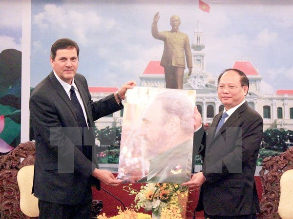 HCM City boosts development cooperation with Cuba hinh anh 1