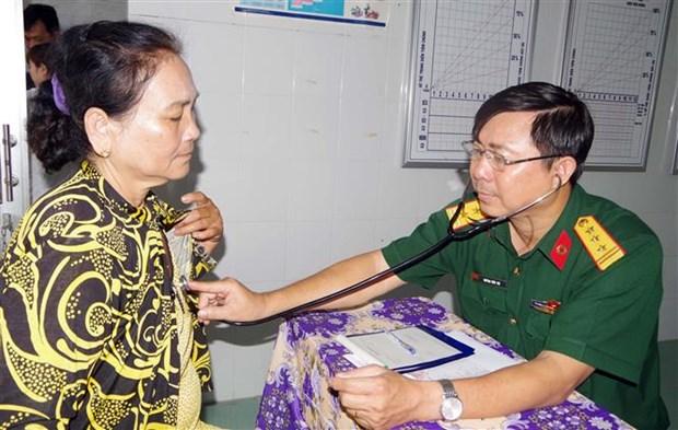 Poor people in Soc Trang get free medical checkups hinh anh 1