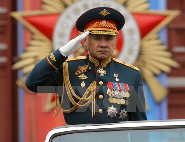 Russian Defence Minister pays official visit to Vietnam hinh anh 1