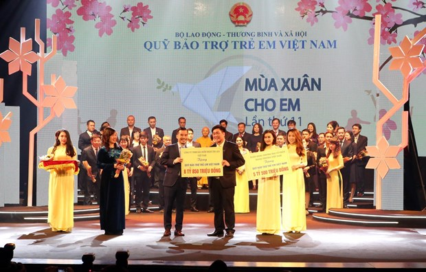 National fund gets 4.2 million USD to support poor children hinh anh 1