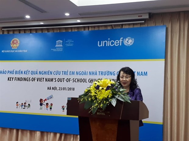 More ethnic children go to school: study hinh anh 1