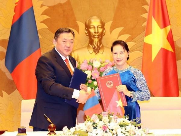 Mongolia's Parliament Chairman wraps up Vietnam visit hinh anh 1