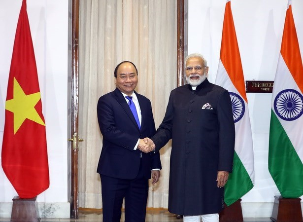 Vietnamese, Indian Prime Ministers hold talks hinh anh 1