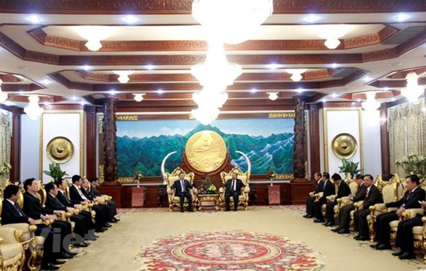 Lao leader hosts Vietnamese Minister of Public Security hinh anh 1