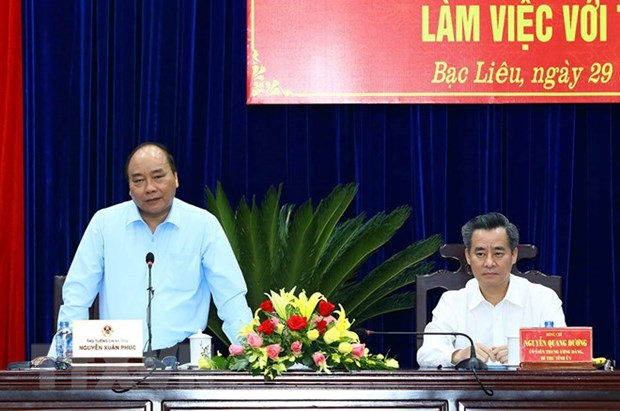 PM urges Bac Lieu to focus on high-tech shrimp farming hinh anh 1