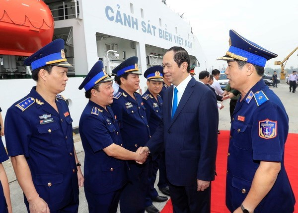 President pays pre-Tet visit to Coast Guard Zone 3 hinh anh 1