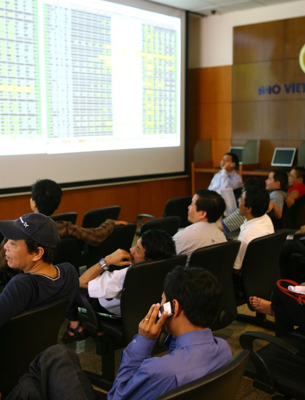 Blue chips drag down VN-Index hinh anh 1