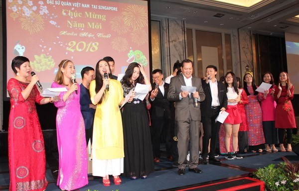 Vietnamese expats in Singapore celebrate Lunar New Year hinh anh 1