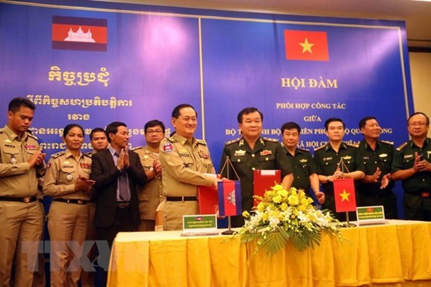 Cambodian army delegation pays pre-Tet visit to Bac Lieu hinh anh 1