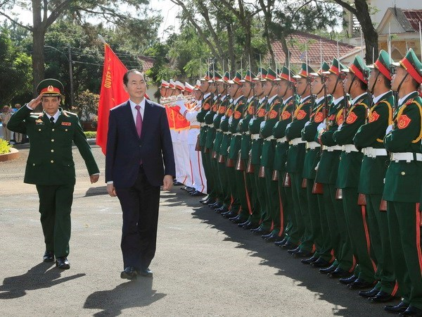 President pays pre-Tet visit to armed forces in Gia Lai hinh anh 1