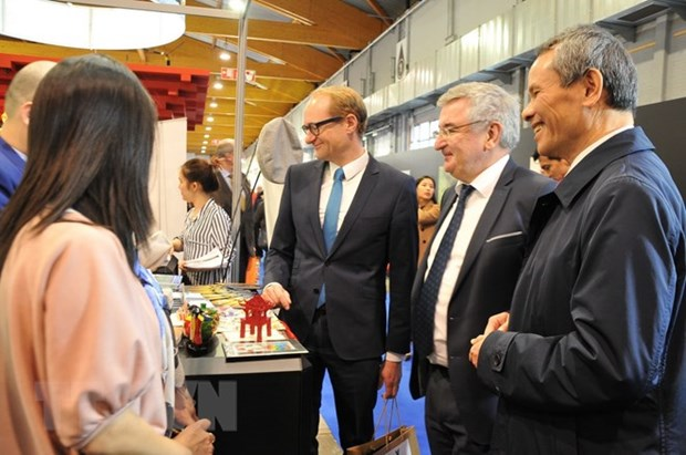 Vietnam's culture, tourist sites introduced at Brussels Holiday Fair hinh anh 1