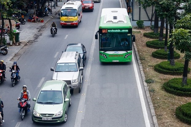 Bus rapid transit No.1 carries over 4.98 mln passengers in a year hinh anh 1