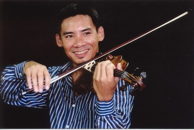 Violinist Nguyen Huu Nguyen returns to perform in Hanoi hinh anh 1