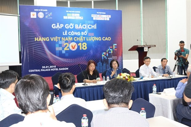 Survey: Young Vietnamese power online shopping hinh anh 1