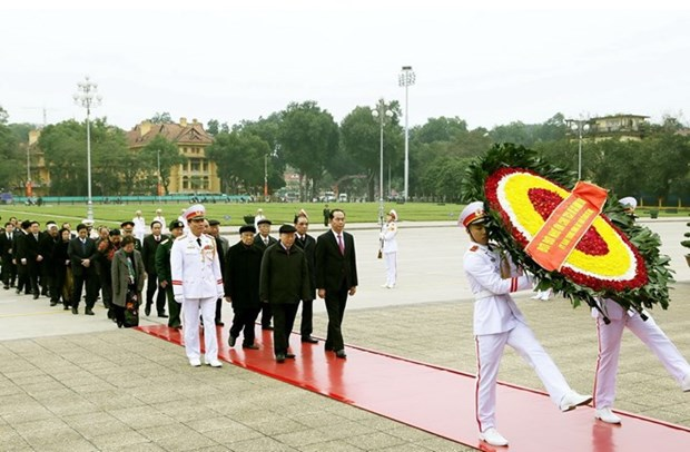 Leaders pay tribute to President Ho Chi Minh on CPV founding anniversary hinh anh 1