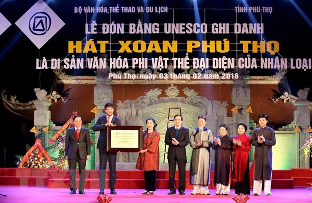 Phu Tho receives UNESCO heritage of humanity certificate for Xoan Singing hinh anh 1