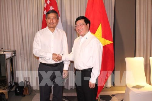 Singapore vows to back Vietnam in transforming industries hinh anh 1