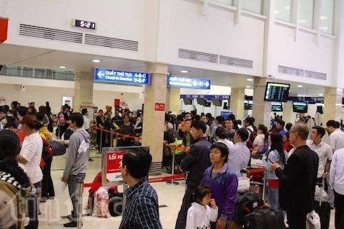 Passengers via Tan Son Nhat airport to rise 25 percent during Tet hinh anh 1