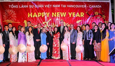 Vietnamese in western Canada celebrate Tet holiday hinh anh 1