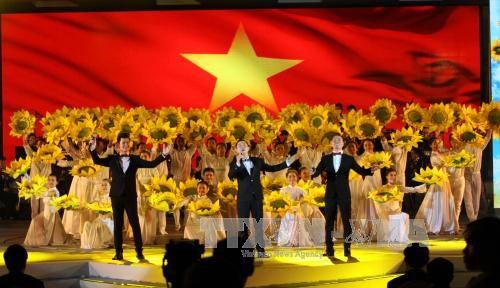 Thousands of OVs register to attend Homeland Spring programme hinh anh 1
