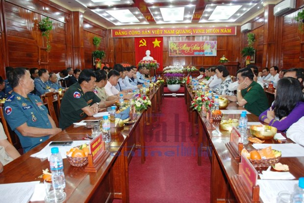 Binh Phuoc enhances cooperation with Cambodian provinces hinh anh 1