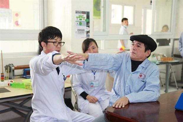 Japanese volunteer helps stroke patients hinh anh 2