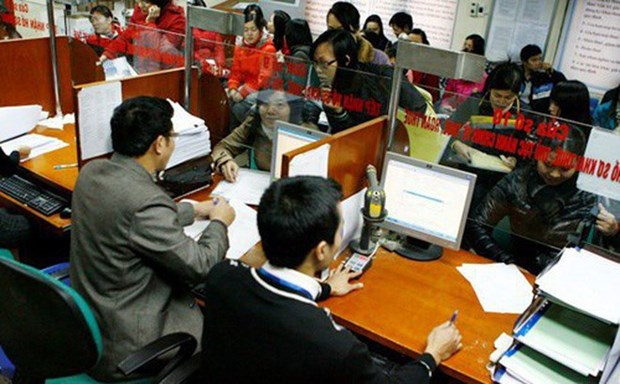 Move to slash number of State workers hinh anh 1