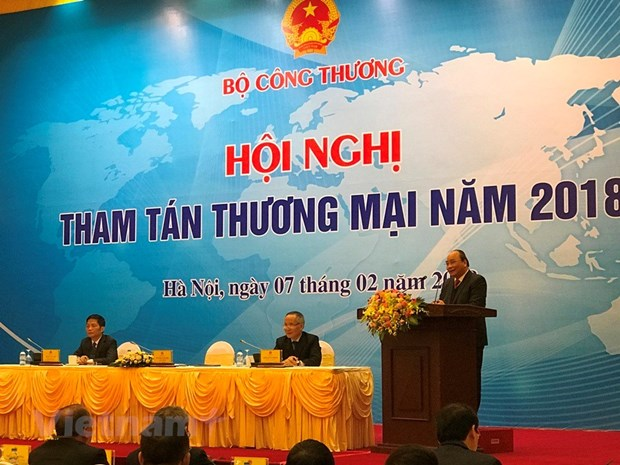 Trade counsellors must proactively support domestic firms: PM hinh anh 1