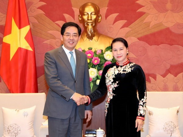 NA Chairwoman receives outgoing Chinese Ambassador hinh anh 1
