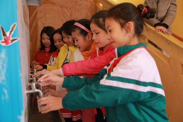 Samsung Electronics builds standard toilets for Bac Giang schools hinh anh 1