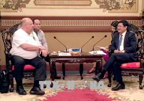 HCM City leader thanks US veterans for boosting ties with Vietnam hinh anh 1
