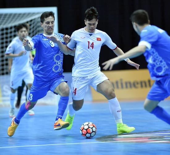 Vietnam loses to Uzbekistan 1-3 at Asian futsal event hinh anh 1