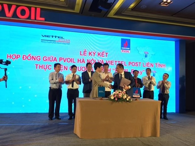 PV Oil launches cashless payment app for drivers hinh anh 1