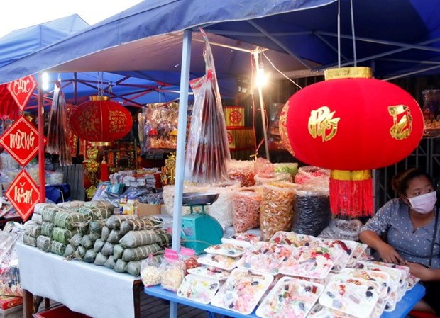 Vietnamese food in high demand in Laos ahead of Lunar New Year hinh anh 1
