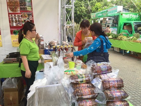HCM City gets new speciality market hinh anh 1